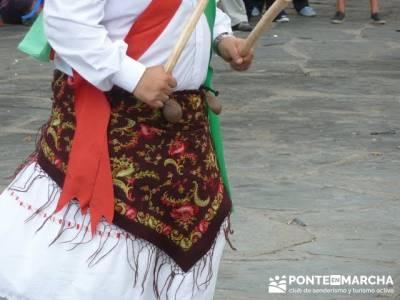 Majaelrayo - Pueblos arquitectura negra - Fiesta de los danzantes, Santo Niño; grupos de montaña e
